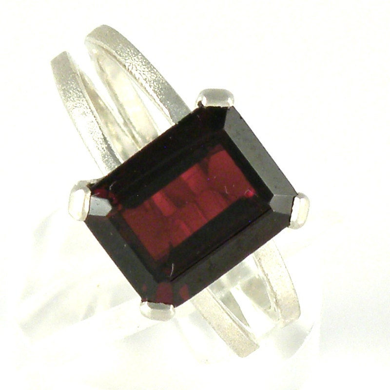 garnet engagement ring split band ring garnet ring emerald