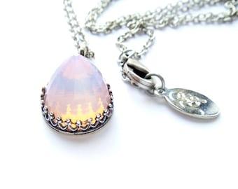Extremely Rare Vintage Swarovski Crystal Necklace Pink Opal Bullet Top