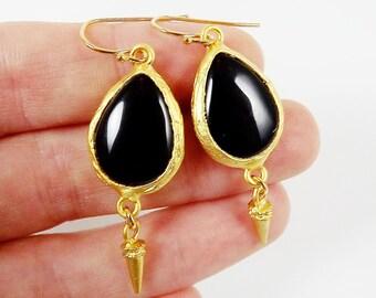 Black Onyx Teardrop Earrings with Spike Charms Gold Fashion