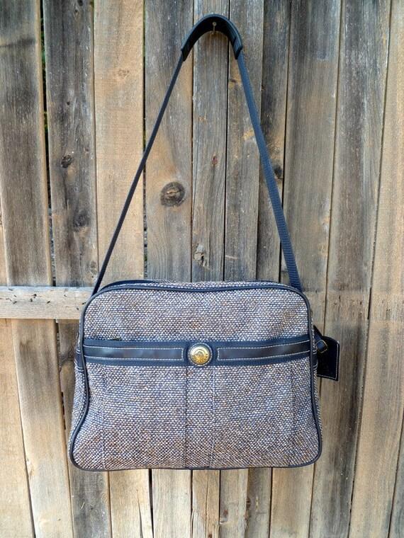 Vintage Jordache navy blue tweed duffle travel bag