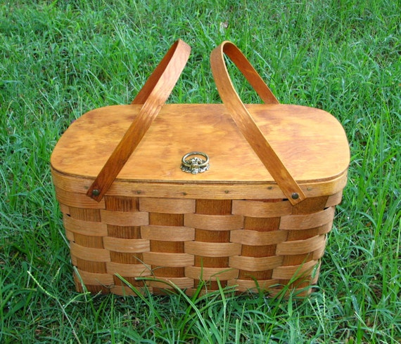 extra large amazing picnic hamper -- lidded double handle basket from basketville -- made in vermont