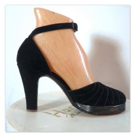 Vintage 1940 S Black Suede High Heel Platform Shoes