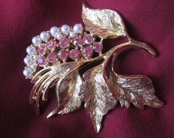 Vintage GERRYS Flower Booch - Faux Pearls & Pink Rhinestones