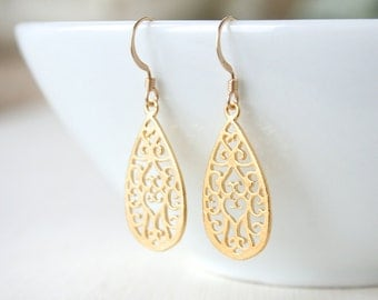 Gold Filigree Dangle Earrings - Elegant Classic Everyday Jewelry