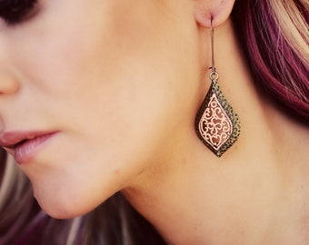 The CLEMENTINE - BEAUTIFUL Peach Filigree Drop DANGLE Earrings - Perfect for Pictures or Gifts