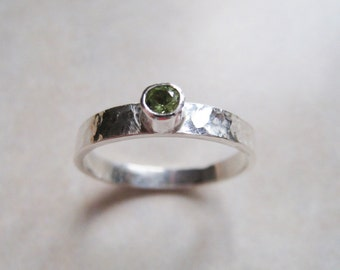 Sterling Silver Texturized Band Ring with Peridot Gemstone - Perfect for August Birthday - ARDEN