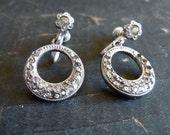 30's-40's Deco Earrings, Art Deco, Glass and metal, Pretty Design, Screw on Earring