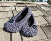 Sale Ladies Slippers, Crochet Slippers, Crochet Womens Slippers, House Shoes, Oma Slippers...Gray and Black - Size 3-12