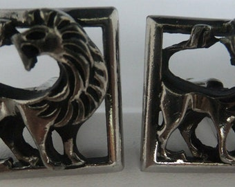 Vintage jewelry  wedding cuff links with mythological lion in sliver tone cuff links