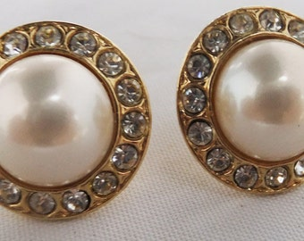 Vintage jewelry earrings in gold tone with gay wedding pearls pierced earrings Sale half price