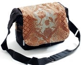 Large Camera Bag with Zipper Enclosure - Paisley sand - sizzlestrapz