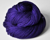 Memory of a dark tale - Merino/Silk/Cashmere Fine Lace Yarn