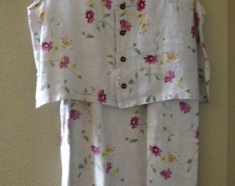 2 piece, Linen Skirt and sleeveless Top, flowers, Size Women's medium to large
