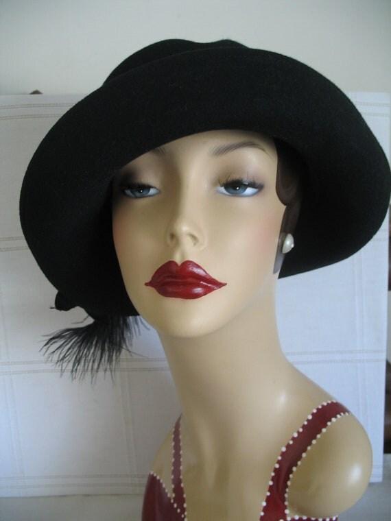 Vintage Black Hat-Detachable Feather