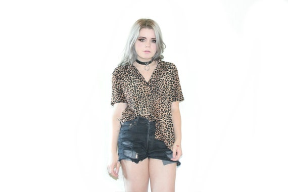90's Leopard Print Button up Collared Top
