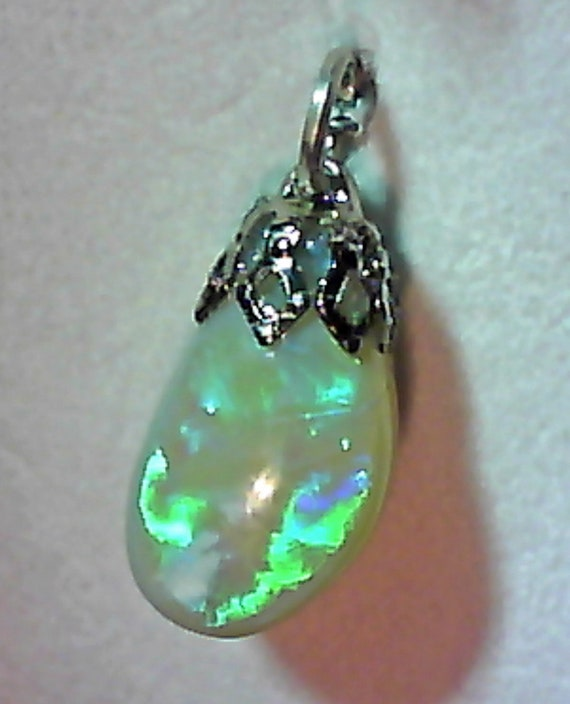 5.25 cts. Australian SOLID Opal Gem Pendant charm