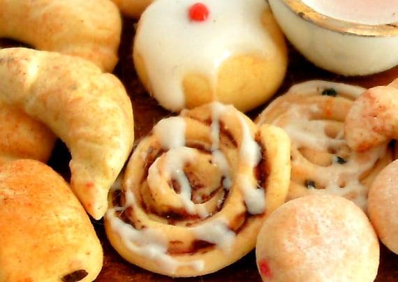 Breakfast Pastries, Croissants & Doughnuts