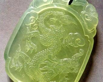 Vintage Style Green Xiu Jade Design Oriental Mythical Celestial Dragon Amulet Talisman Bead Pendant  T0325