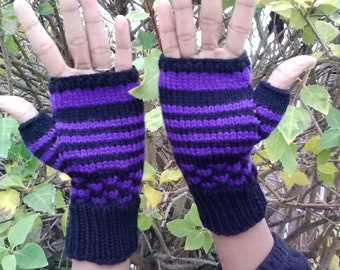 Fingerless gloves, black with purple stripes and polka dots, women size medium/large, vegan