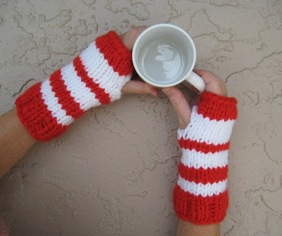 Fingerless gloves red white candy cane striped hand knit free U.S. shipping