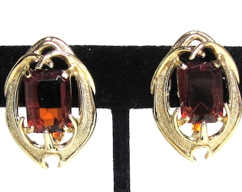 Sarah Coventry Amber Stone Claw Earrings