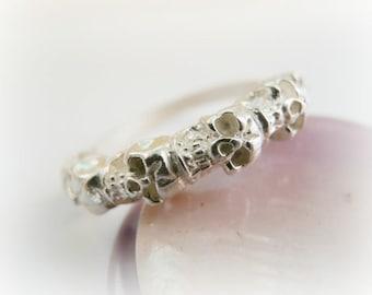 Tiny Skulls Ring Sterling Silver - Skull Stacking Ring Sterling Silver - Halloween stack ring sterling silver - Skull ring sterling silver