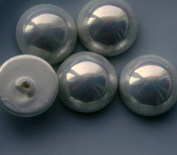 Half drilled cabochon 2 pcs 14 mm Opalescent white round majorca pearl half drilled cabochon  140CB