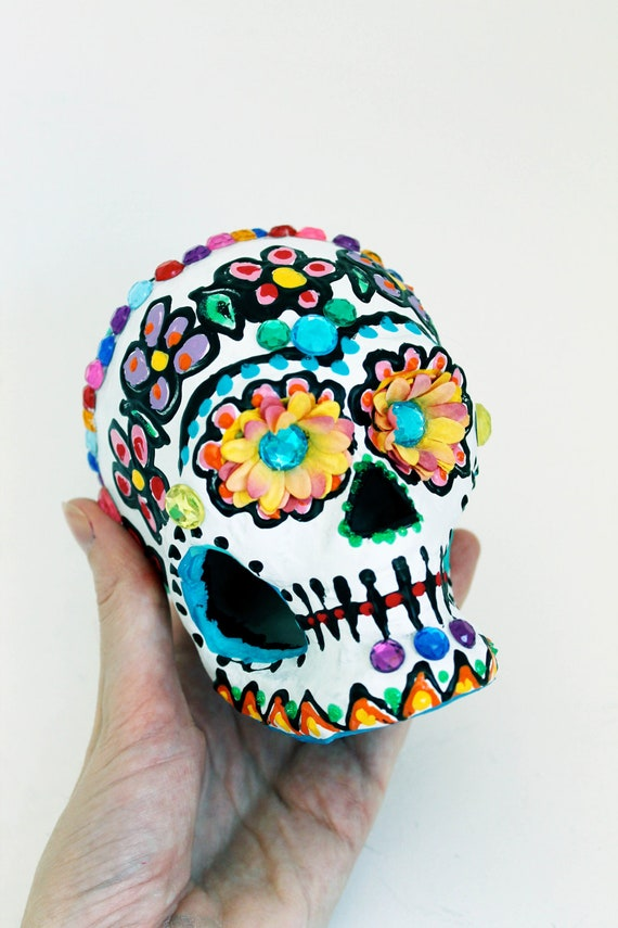 how to make sugar skulls out of paper mache
