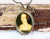 Anne Boleyn - Vintage Necklace