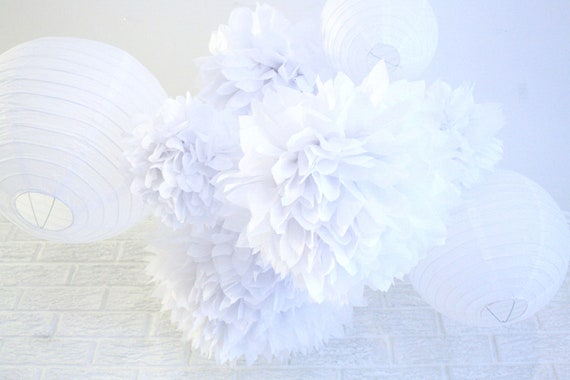Party Decor Pack ...  5 paper poms and garland.... Pick Your Colors // wedding // birthday // party decoration // nursery decor