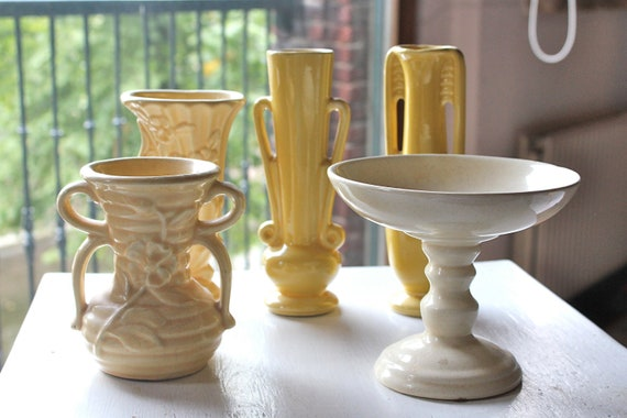Set of 5 pieces yellow pottery