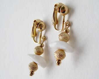 SALE 60 PERCENT Off Vintage 1975 Signed Avon Desert Stones Goldtone White Agate Gemstone Stone Gold Tone Beaded Dangle Clip On Earrings