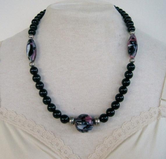 Vintage 80s Boho Retro Silvertone Silver Tone Black Lavender Pink Purple Marbled Swirled Bead Beaded Matinee Length Necklace