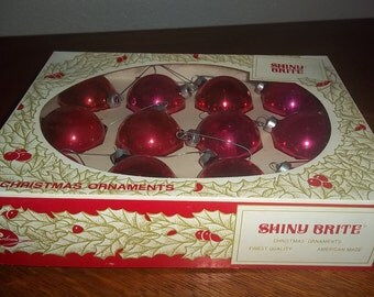 Vintage Box of 12 Shiny Brite Red American Made Glass Christmas Tree Ornaments