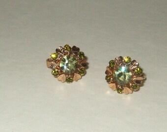 Vintage Avon rhinestone peridot and gold clip earrings Prom wedding teen bling jewelry peridot earrings green earrings