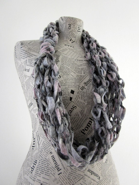 Arcobaleno loop scarf in grey, pale pink and white.