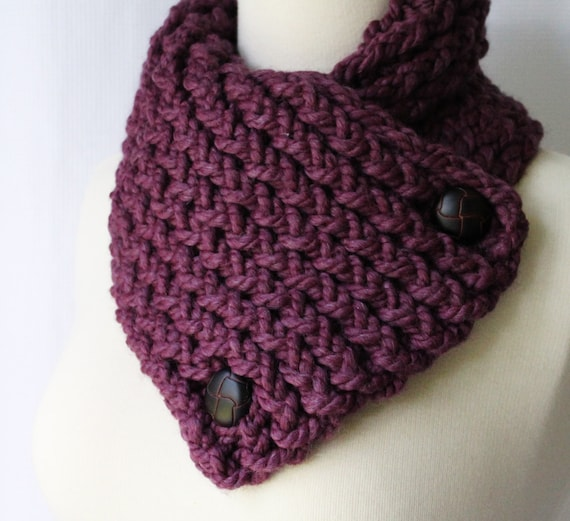 Winter Scarf, Short Scarf with Buttons in Berry, Buttoned Scarflette