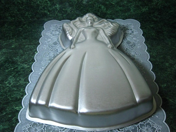 wilton barbie cake pan instructions