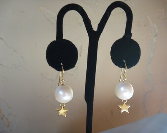 Vintage 1980 PEARL and GOLD STAR Pierced Earrings