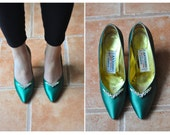 80's Antonio Emerald Green Satin Pumps with Rhinestone Detailing (Size: 6.5)