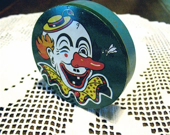 Vintage Metal Noise Maker Clown Face Wooden Handle Really Noisy Great Shape