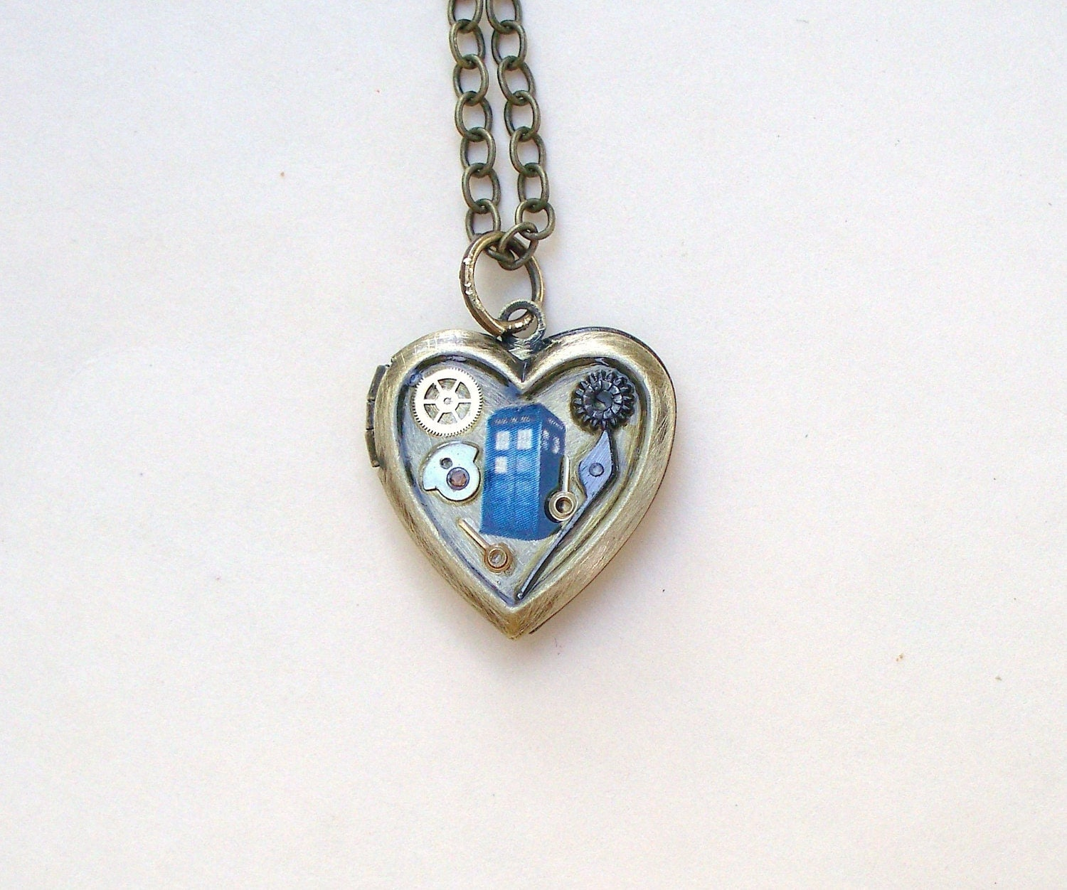 doctor who tardis locket necklace