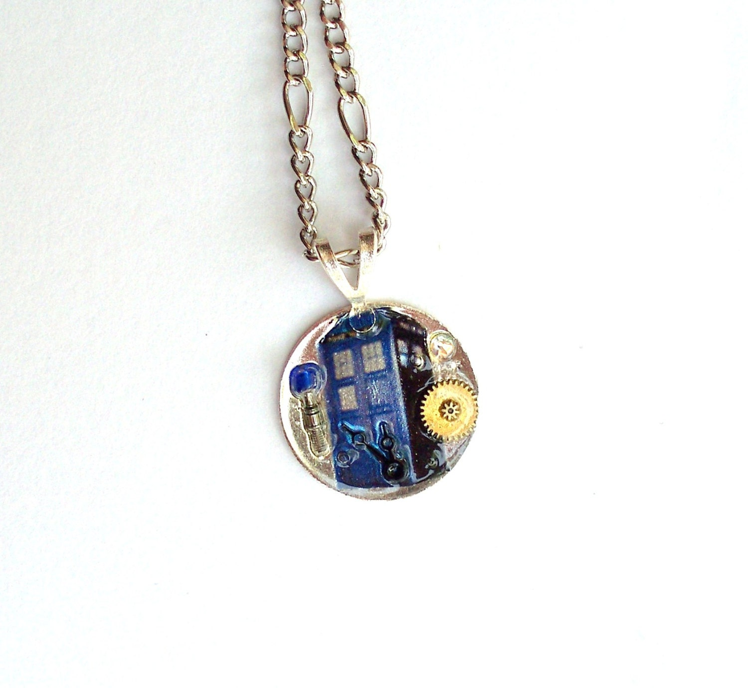 doctor who small tardis necklace by timemachinejewelry on etsy