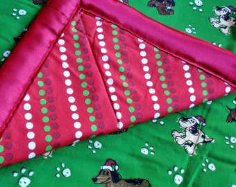 Holiday Pups Cozy (Green) - Reversible Pet Blanket