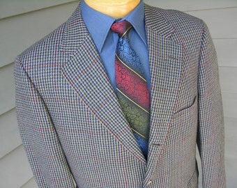 vintage 70's - 80's -Brooks Brothers- Sport coat. 3 / 2 roll - Sack cut.  Multi color Gun check. 41 Short