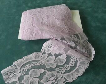 """Vintage Lace 4.5"""" Lavender Mauve Floral Lace LL405"""