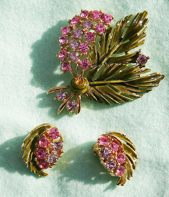 Vintage Green Enamel Palm Fronds with Spray of Pink Rhinestones Pin & Earring Set