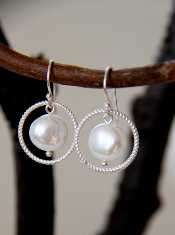 Sterling SIlver Dangle Earrings / Freshwater Pearl Earrings / Bridal and Wedding Jewelry