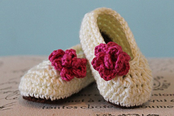 Crochet Patterns Baby Girl : CROCHET PATTERN PDF Crochet Baby Girl Booties with Rose