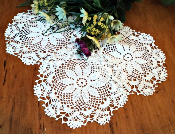 3 Crocheted Doilies Crocheted Doilys  White Vintage Doilys Doilies  Lot  A432